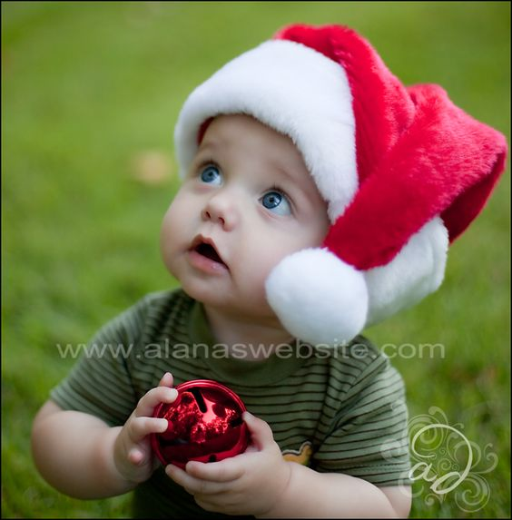 Christmas photography | baby. Tara wanna do this for Kenny?: