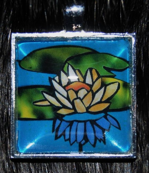 Lily pendant by KabloonaKreations on Etsy, $18.00