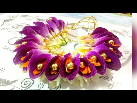 A New Method To Make Easy Bridal Jadai Veni With Rose Petals And Leaves Youtube Wedding Flower Jewelry Floral Accessories Hair Sweet 16 Party Decorations