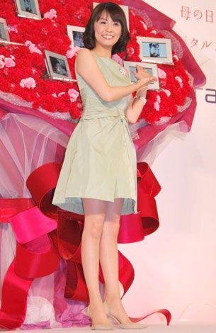小林麻耶かわいいファッションでイベント出席の画像