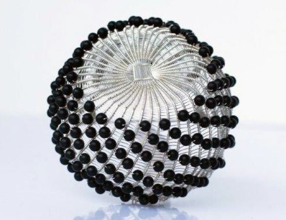"Maja Houtman - Brooch ""Black Ton"" - silver, onyx beads - 450,00€:"