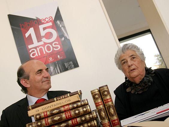 Luísa Dacosta doa espólio e apresenta livro na Biblioteca Municipal  in   http://www.cm-pvarzim.pt/groups/staff/conteudo/noticias/luisa-dacosta-doa-espolio-e-apresenta-livro-na-biblioteca-municipal/