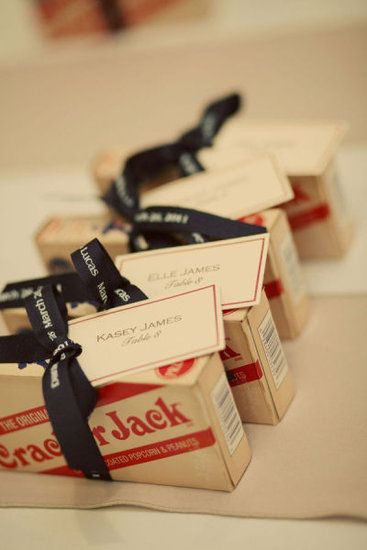 Cracker Jacks as favors.... Brilliant for a Carnival party! This will be the perfect final addition to the favor boxes!