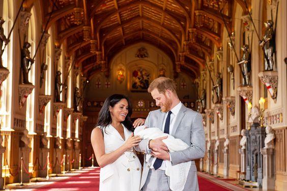 Harry rimprovera Meghan davanti alla famiglia reale