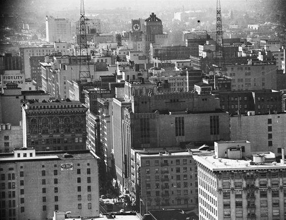 noirish Los Angeles - 1952