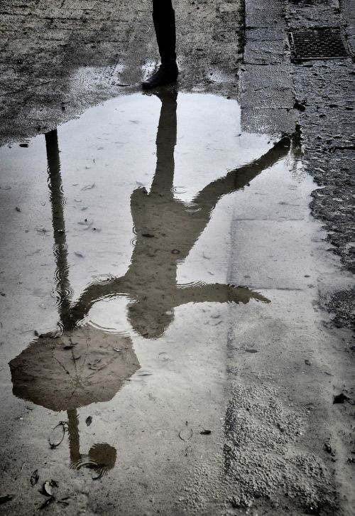 b/w reflection