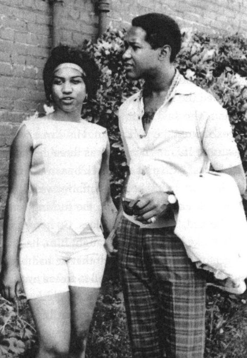 A very young Aretha with her biggest crush (and musical idol), Sam Cooke, possibly an early 1960s photo (1963, 1964-ish).: Aretha Sam, Soul Singers, Sam Cooke, Sam Aretha, Soul Music, Aretha Franklin