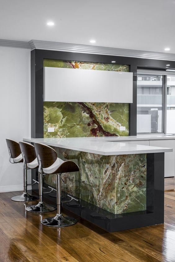 leuchtende Glaswand in der Küche Spritzschutz mit bedrucktem Glas - spritzschutz küche glas