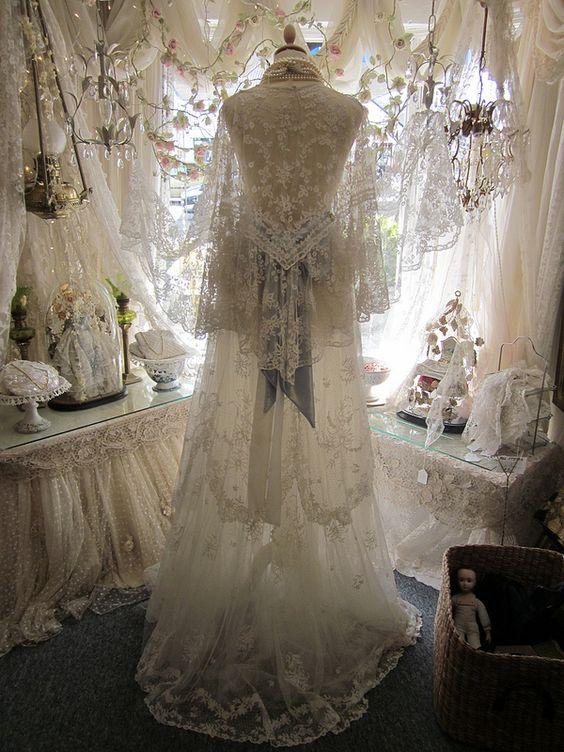 Antique Irish Lace Museum & Shop.