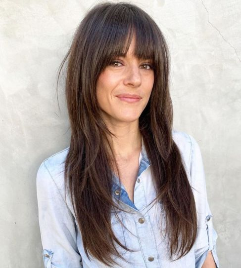 50 Cute And Effortless Long Layered Haircuts With Bangs Long Fringe Hairstyles Long Layered Haircuts Layered Haircuts With Bangs