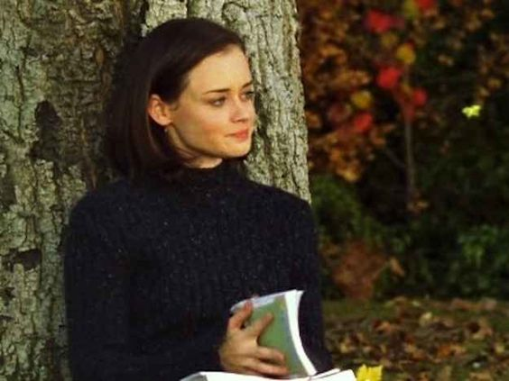 """All 339 Books Referenced In """"Gilmore Girls""""- Rory Reading Challenge"""