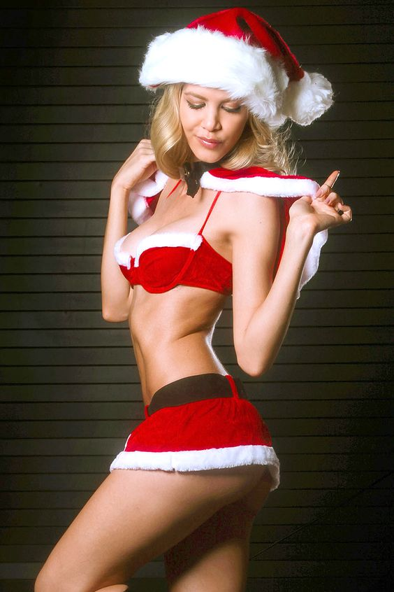 Sexy plays and santa outfit on pinterest for Hot christmas pics