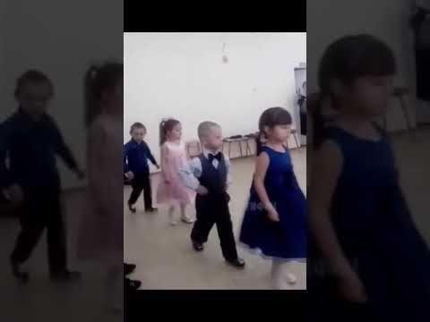 Russian Kid Walks Like A Gangster Youtube Gangster Kids Gangsta