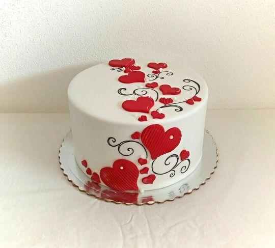 Valentine S Cake Valentine Cake 80 Birthday Cake Cake