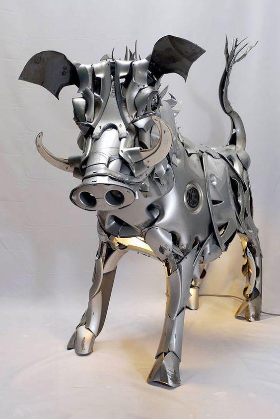 Recyclage denjoliveurs en sculptures danimaux par Ptolemy Elrington   ptolemy elrington recyclage de vieux enjoliveurs en sculptures d animaux 18