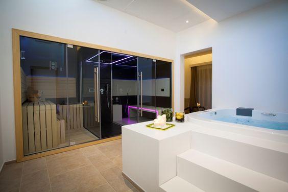 Sauna-Hammam-Douche, Sasha de Jacuzzi® un véritable centre - schlichtes sauna design holz seeblick