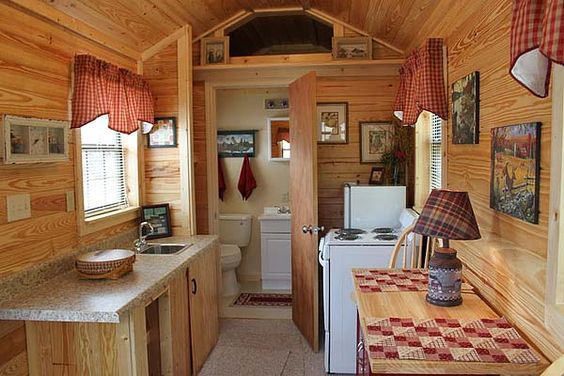 Cabinas De Baño Pequenas:Portable Building Houses Interiors
