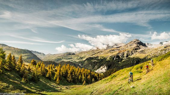 Micha Bohrisch, Holger Schaarschmidt, Anna Weiss in Alp Flix, Switzerland - photo by hanussen - Pinkbike