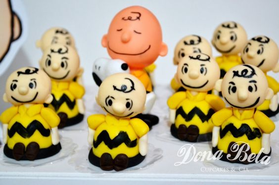 Dona Beta: A turma do Snoopy: 1º aniversário do Kauã Doces personalizados Snoopy, Charlie Brown