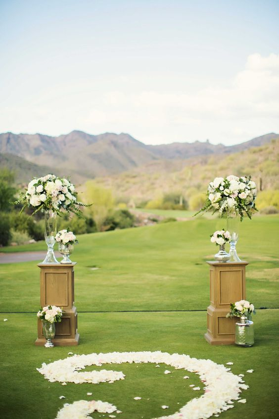 Pantone's 2017 Color of the Year Greenery inspiration on golf course country club setting outdoor wedding: