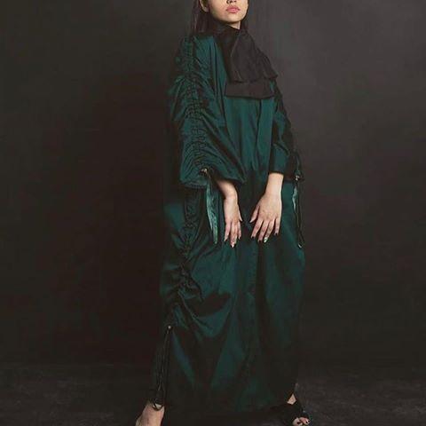 Ladieslounge Kw حبيت للطلب التواصل عالحساب المرفق الكويت فاشنستا رموش صالونات استقبال اطفال بدلات فساتين سهره دراعات السعوديه Design Fashion Design Instagram
