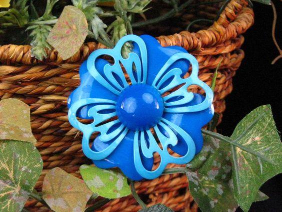 Vintage Enameled Metal 3-D Flower Pin Brooch - Blue / Turquoise