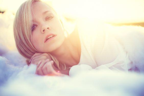 Photography - Christopher Wesser - Seraphine Chanel - Licht - Farben - Wolken