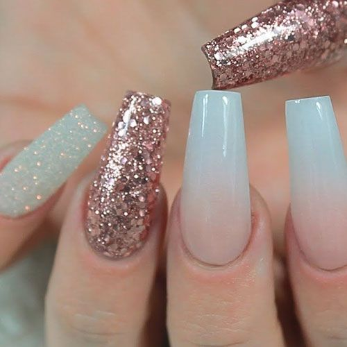 35 Gorgeous Rose Gold Nails Perfect For Any Event 2020 Guide Gold Nails Rose Gold Nails Rose Gold Nails Glitter