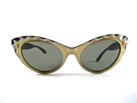 gold scalloped cat eye sunglasses. vintage ornate by holdenism