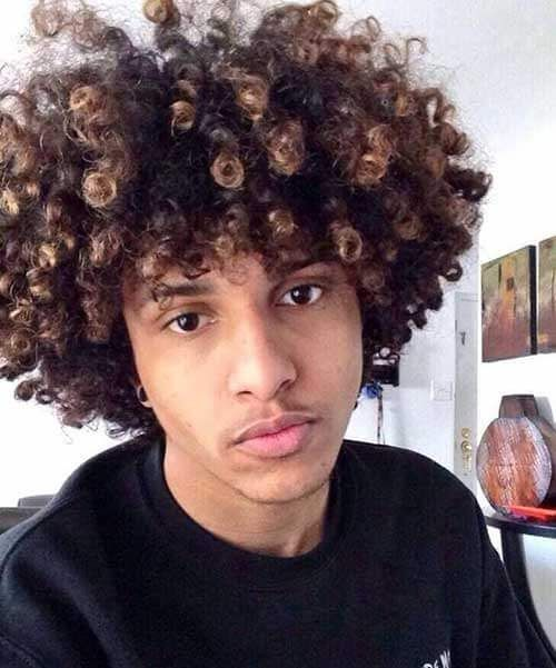 45 Amazing Curly Hairstyles For Men Inspiration And Ideas The Head And Bare Shoulders Of A White Man Wit In 2020 Natural Hair Styles Curly Hair Styles Long Curly Hair
