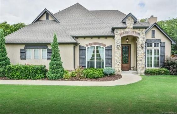 Stunning home with unbelievable kitchen including Jenn-Air range & vent hood, pot filler, double ovens, built-in deep fryer, and commercial grade refrigerator. Beautiful back yard paradise that backs to greenbelt, large covered patio & deck, & much more!