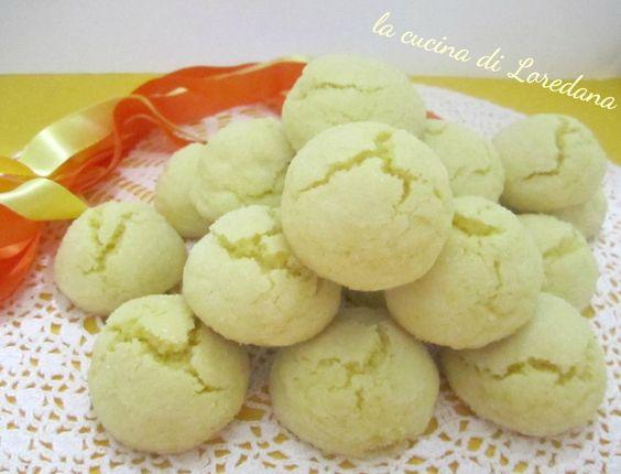 Biscotti morbidi all'arancia semplicissimi da preparare e assolutamente irresistibili per una pausa tutta dolcezza