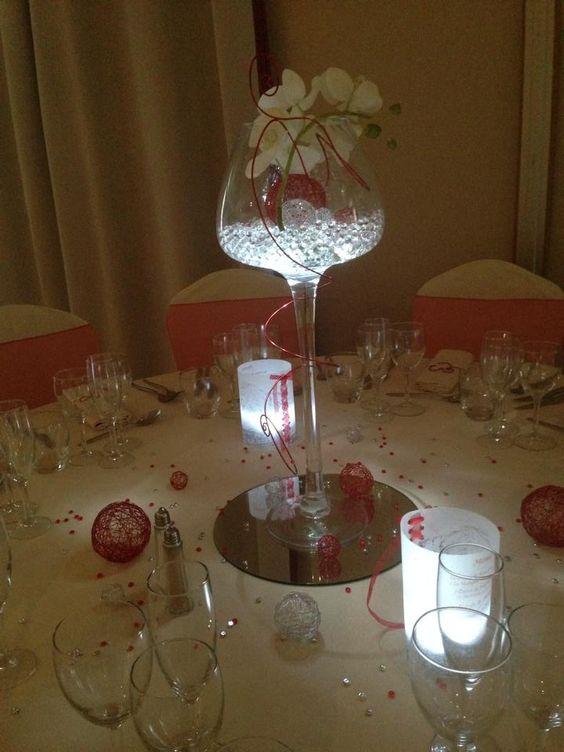de table de mariage rouge et ivoire. Vase fleur illuminé et ...