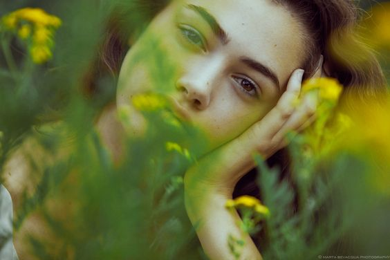 ariadna in the flowers - -