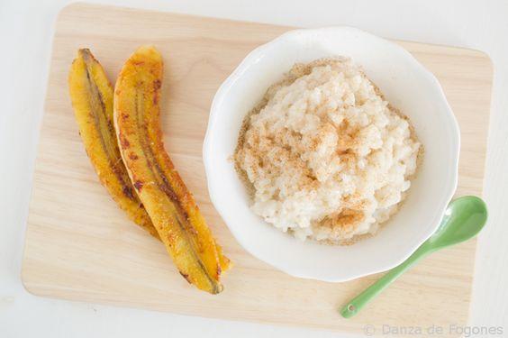 Arroz al coco con plátano caramelizado (coconut rice with caramelized bananas)