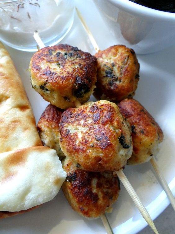 recette de keftas de poulet et son dip la libanaise cuisine libanaise pinterest dips and. Black Bedroom Furniture Sets. Home Design Ideas
