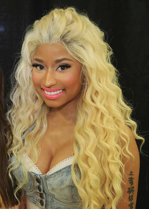 Nicki Minaj With Her Pound The Alarm Video Look New Hip