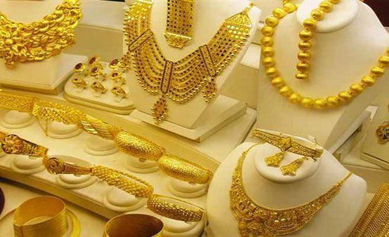 شهدت اسعار الذهب اليوم الأحد 25 10 2020 فى مصر استقرارا ملحوظا بالتزامن مع الإجازة الأسبوعية لسوق الصاغة ليسجل عيار 21 وهو الأكثر مبي Gold Gold Necklace Pearls