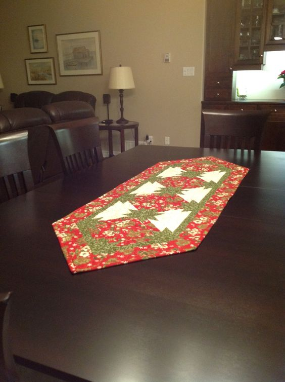 Hunter star Christmas Table runner