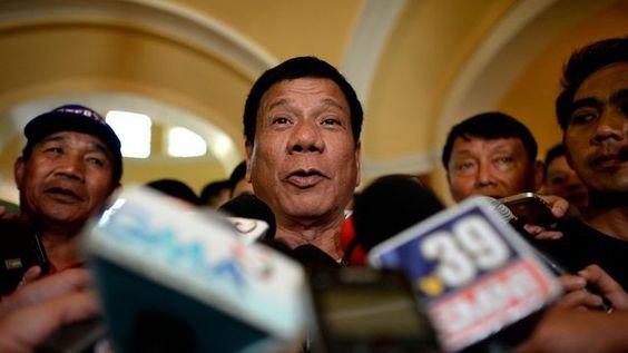 Présidentielle philippine: un candidat de premier plan plaisante sur le viol