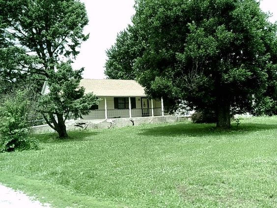 This farm can be a dual business as a cattle operation and/or kennel in Louisburg MO