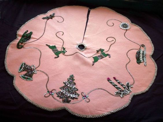 Vintage 1950s Pink Felt Christmas Tree Skirt Hand Made Sequins Reindeer Bells: