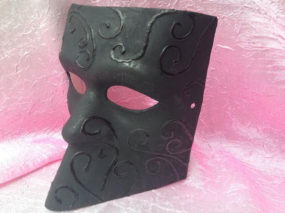 Bauta Mask, Bauta Venetian Masquerade Mask, Metallic Black, Unisex Mask www.romanticdesires.etsy.com
