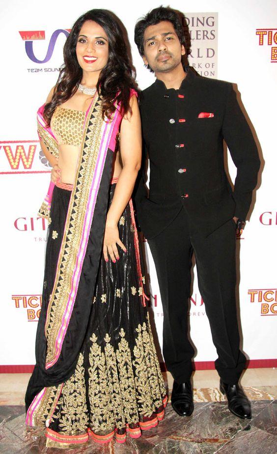 Richa Chadda and Nikhil Dwivedi pose for the shutterbugs at Gitanjali Bollywood Night. #Style #Bollywood #Fashion #Handsome #Beauty