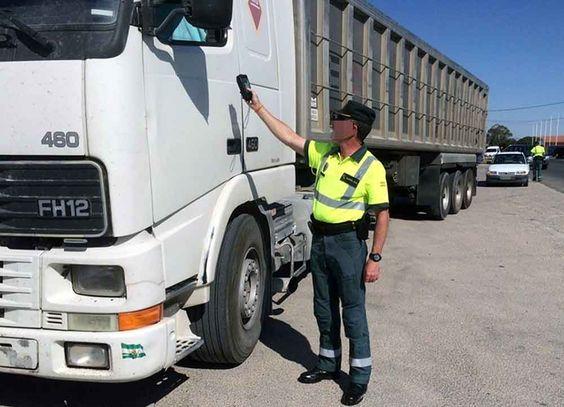 Detenido un camionero que casi quintuplicaba la tasa de alcoholemia