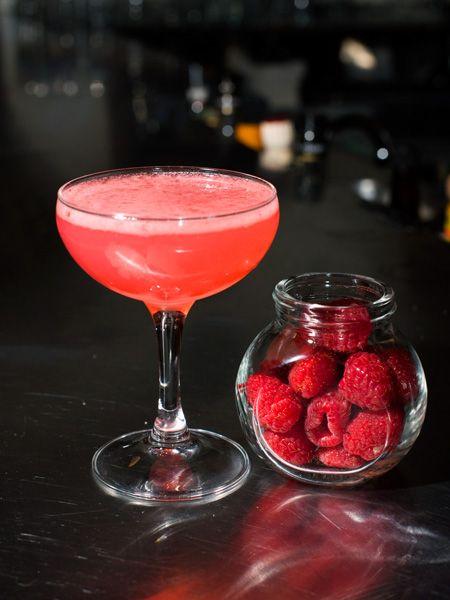 #Valentine's Day Cocktails (http://blog.hgtv.com/design/2014/02/14/happy-hour-happens-sultry-valentines-day-cocktail/?soc=pinterest)