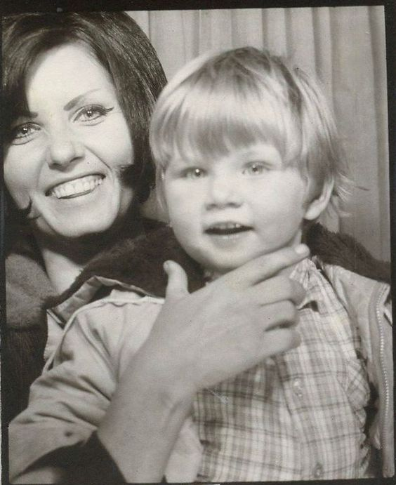 vintage photo booth picture mod mom and son vintage photo booth pinterest pools. Black Bedroom Furniture Sets. Home Design Ideas