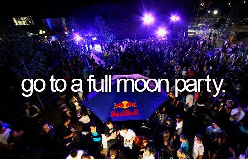 La Full Moon Party es una fiesta que se celebra cada mes en la isla Koh Phangan (tailandia) cuando hay luna llena.