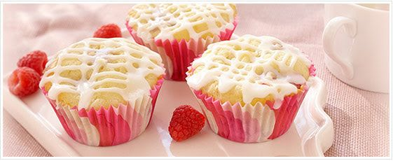Raspberry White Chocolate Chunk Cupcakes | Cakes and Cupcakes ...