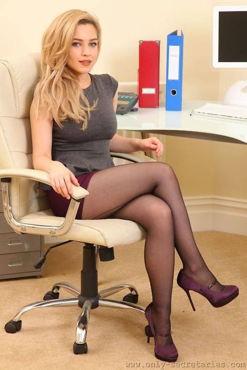 sexy office girls office girls pinterest collants. Black Bedroom Furniture Sets. Home Design Ideas